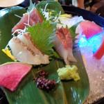 美食 米門 - サービスの刺身