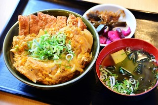 ニクスイハヤト - かつ丼(吸物付)