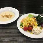 90054262 - サラダとスープ