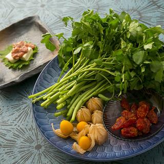 四季を織り込む繊細な和食。旬の味覚を気軽にいただく!