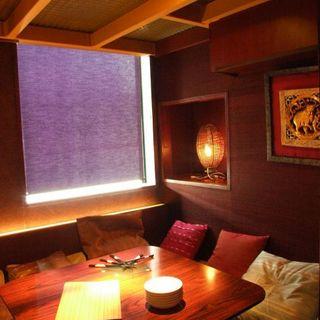 個室、ロフト、ソファなど