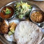 カルマ - 料理写真:南インド風チキンカレー&キーマ