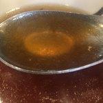 麺屋りゅう - 苦みやエグミは極限まで抑えられ、芳醇な香りと濃厚な旨みの美味しいスープです。