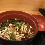 寿司竹寅 - えのき、豆腐の赤だし(2018.7.30)