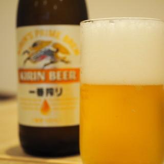 ビールとお蕎麦で、お昼から粋にちょい飲みも