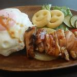 カフェまる - ロコモコ丼(チキン)