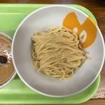 拳10ラーメン - 中太麺