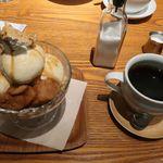和カフェ yusoshi chano-ma - 黒蜜ときなこのパフェとホットコーヒー