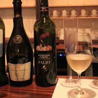 オーナーソムリエ厳選!15種類のグラスワインで自分好みの味を