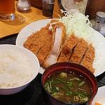 とんかつ かつき - 料理写真:特大ロースかつ定食