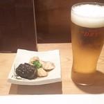 すし居酒屋 日本海 - 生ビールとお通し