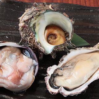 掴んだ牡蠣等は焼きで、あさりは酒蒸しで!産直魚介目白押し☆