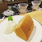イーグル カフェ - 紅茶シフォンケーキ