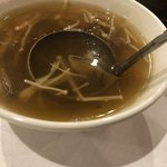 重慶飯店 - 週替りスープはフカヒレスープ