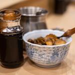 宇田川 - 漿醤(しやうゆ)に腌菜(つけもの)