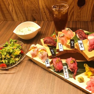 【テレビで紹介されました】肉寿司の階段ランチ!5種類10貫盛