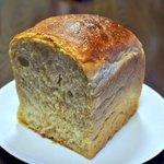 雑穀パンの店ひね - 雑穀食パン