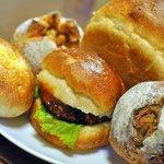 雑穀パンの店ひね - 本日のパンたち