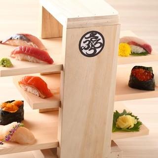 名物!新鮮な魚介類を使ったお寿司!