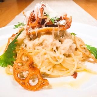 シェフ自ら厳選した鎌倉野菜など地物食材を使ったお料理