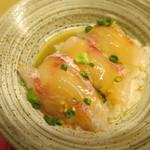 天ぷら やす田 - 出汁をかけます