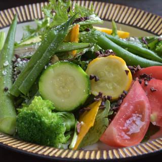 横浜地野菜。農家より直接仕入れの味濃い野菜を是非!