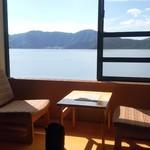 彩かさね - 部屋からは三方五湖を眺められます