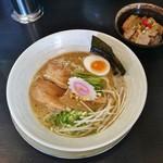 風の味 麺や 勝 - らーめん720円+ミニちゃーしゅー丼110円
