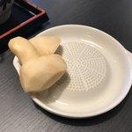 釜揚うどん店あおやま - 料理写真:生姜をすりすり