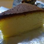 ファクトリー マエジマ - 料理写真:チーズケーキ