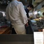 Japanese Soba Noodles 蔦 - 大西店主が毎日厨房で調理してます