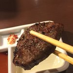 TOKYO 焼肉 ごぉ - プロが焼いてくれるので、間違いない美味しさ
