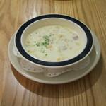 つばめグリル - スープセットの「スープ(クラムチャウダー)」です。