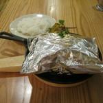 つばめグリル - 「つばめ風ハンブルグステーキ」と「ライス」です。