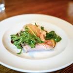 グシテ - ☆スライスした豚肉とサラダ