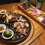韓国料理 水刺齋 - 国産サムギョプサルと焼き海鮮・野菜 ~葉物野菜付き~
