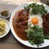 シンゴカレー - 料理写真:あいがけ(キーマ、チキン)