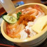 まるじゅう井とう - 料理写真:よくばり五色丼