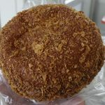 中路ベーカリー - 「黒カレーパン」は、パット見はタダの揚げパンですが