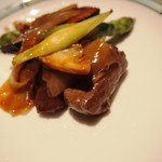 シルクロードガーデン - 牛フィレ肉と甘酢生姜の炒め