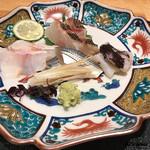 和食 なり - 甘鯛の湯霜造り、伊佐木 焼霜造り、小鰭酢締め、生とり貝