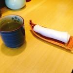 90111972 - お茶/おしぼり
