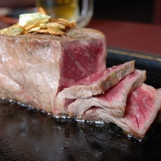 メガトン級のMEGAステーキ!1kgのサーロインに齧り付け★