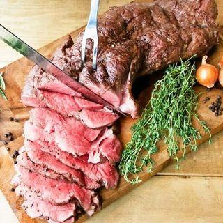 こだわりの肉料理の数々♪