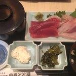海鮮料理魚春とと屋 - お刺身ランチ 800円