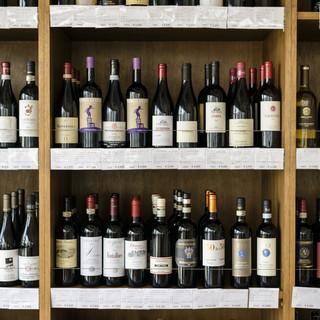 ワインが200種類以上、イタリアクラフトビールも豊富にご用意