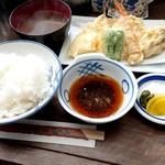 90122074 - 天ぷら定食1050円