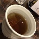 虎ノ門 うなぎのお宿 - 冷たい麦茶