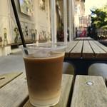 トラベリング コーヒー - カフェオレ(アイス)
