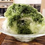 茶菓 えん寿 - 氷の中にもシロップが仕込まれてます('18.7月)